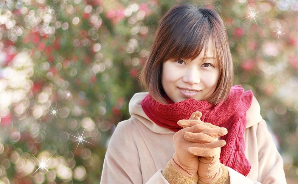 微笑む女性の写真